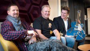 Kapten Fri medverkar i Sveriges Radio P4 Väst - med världspremiär av Bind i Håret